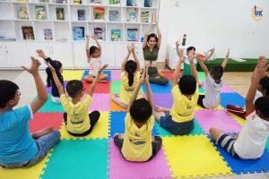 uk english yoga